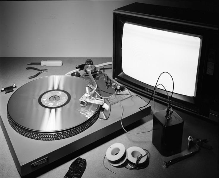 http://www.gregorytdavis.com/files/gimgs/th-6_Laserdisc.jpg